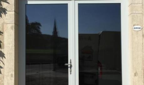 Artisan menuisier expérimenté et qualifié pour l'installation de porte fenêtre sur Beaune
